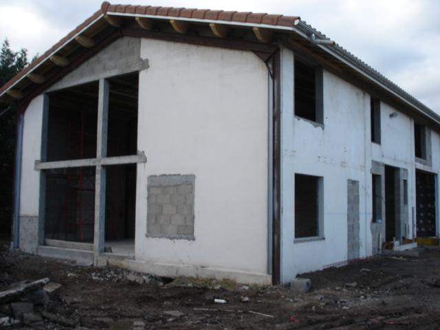 Création d'ouvertures pour maison d'habitation à Boisset les montrond