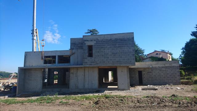 Gros oeuvre d'une maison particulière en cours de travaux